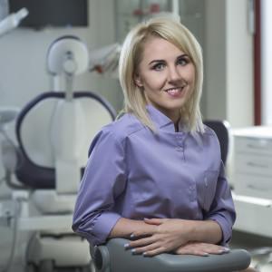 - specjalista protetyki stomatologicznej
