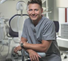 lek. stom. Bartosz Bagiński – specjalista chirurgii stomatologicznej