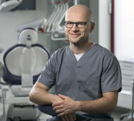 lek. stom. Wojciech Kaczyński – specjalista periodontolog